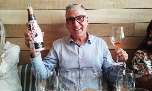 Damiá Deás e o Vilarnau Cava Brut Rosé garrafa comemorativa ao final do ano