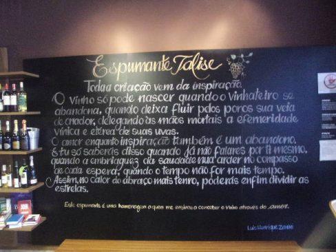 Lançamento do espumante Talise com poesia na Vinci