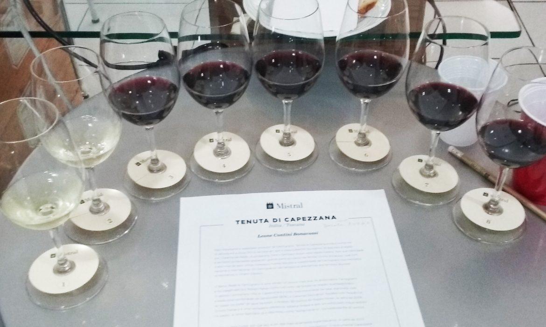 Taças com vinhos Tenuta Di Capezzana